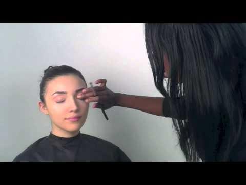 Au Naturale Cosmetics: Creme Eye Shadow Application Tutorial