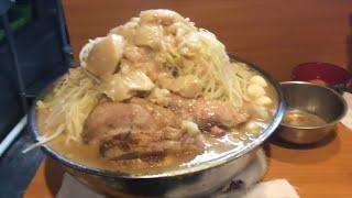 豚入り大ラーメン麺増し2.1キロヤサイマシマシ豚増しニンニクすくなめ...