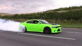Dodge Charger Hellcat - INSANE BURNOUT & Accelerations