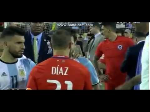 Месси плачет после поражения от чилийцев   Кубок Америка 2016