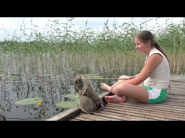Изображение предпросмотра прочтения – ЕвгенияПолухова читает произведение «Рыбка» А.А.Фета