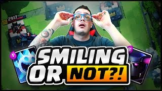 Clash Royale | SMILING Cards?!