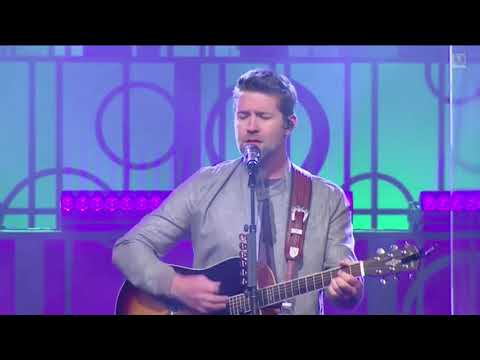 Josh Turner - Me And God Live At World Outreach Church