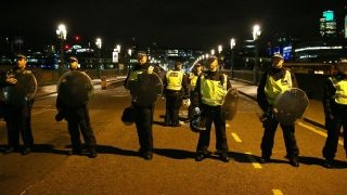 Say U.S. citizens in London should maintain security awareness; Gar...