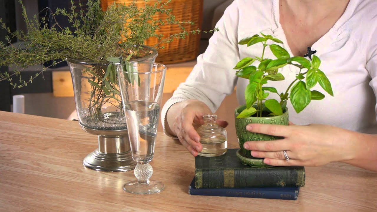 Using Herbs as a Centerpiece : Cold Weather Crafts