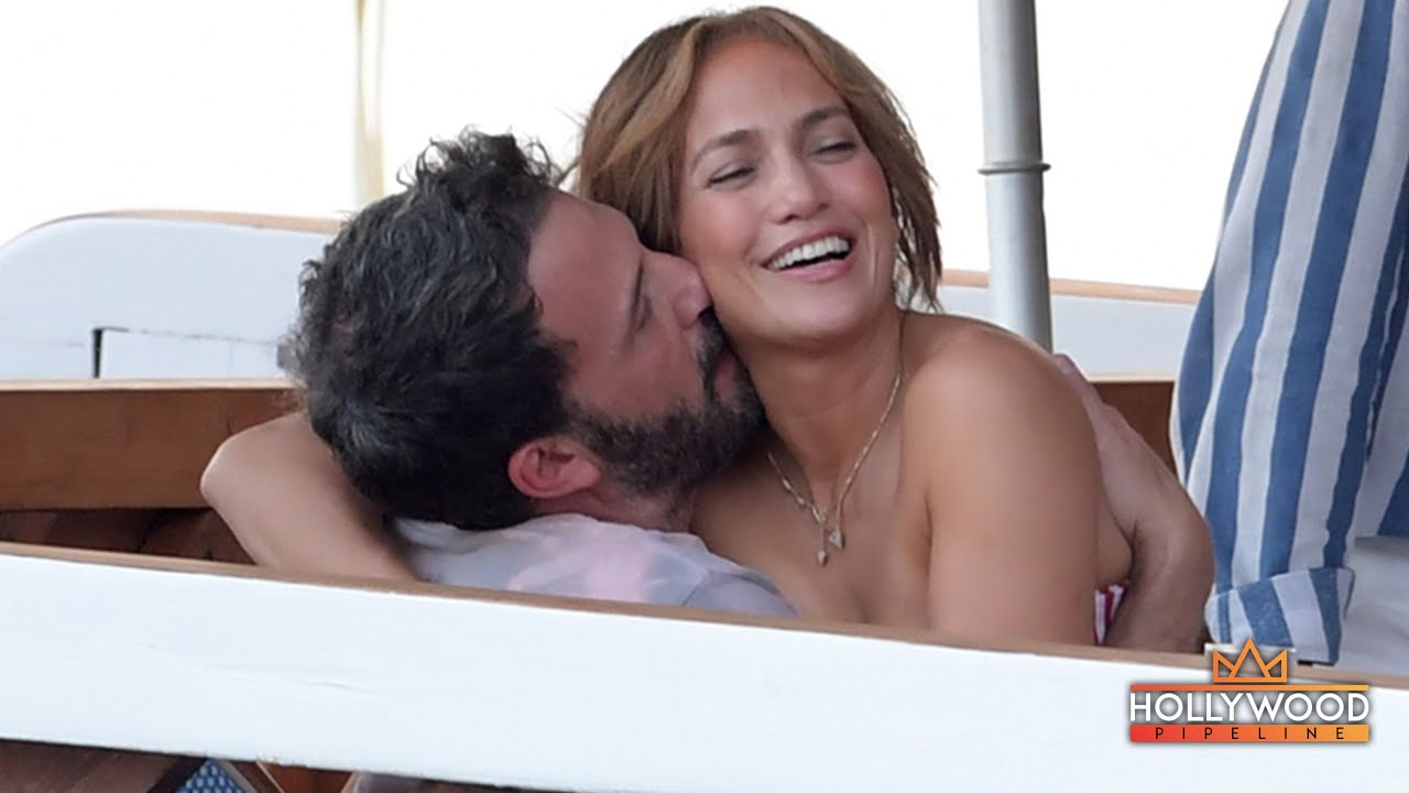 Ben Affleck & JLo share steamy kiss during romantic vacay in Italy [PICS]