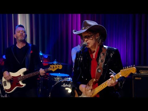 'Do We Choose Who We Love? - The Waterboys | The Late Late Show | RTÉ One