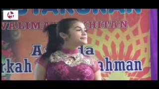 Video Dangdut - Dua Kursi. Suaranya oke, Cantik & Semok download MP3, 3GP, MP4, WEBM, AVI, FLV Desember 2017