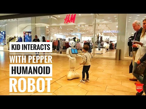Softbank robotics Pepper humanoid robot | Virtual reality at Gerber mall | Stuttgart