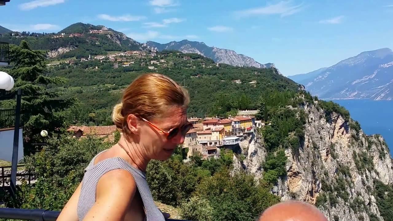 terrazza del brivido Tremosine - YouTube