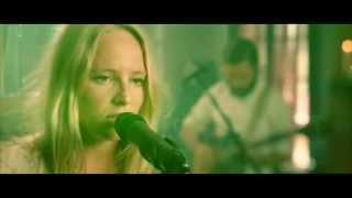 Смотреть клип Lissie - Go Your Own Way