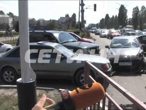 Неработающие светофоры стали причиной массовой аварии на проспекте Ленина