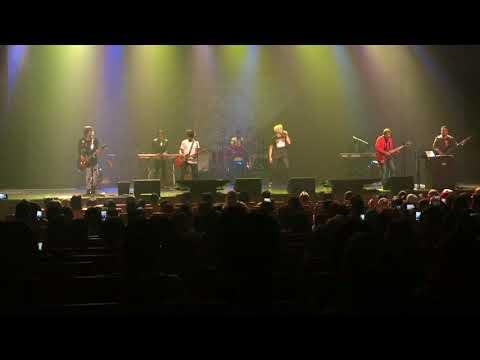 Cakap Ke Tangan - Akim & The Majistret Cover @ Concert Esplanade Singapore