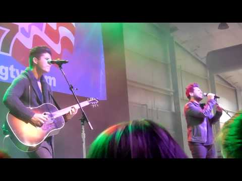 Have Yourself A Merry Little Christmas - Dan + Shay Jingle Bell Jam 12/19/14