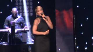 Mary J. Blige - Mr Wrong / Live Concert in Chicago (Liberation tour) 9/13/2012