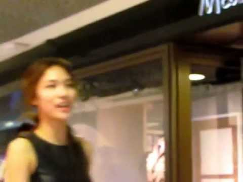 Miss A arrived Armani Xchange,Ion Orchard Singapore