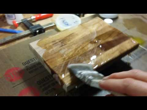 Mineral oil treatment on a walnut cutting board...