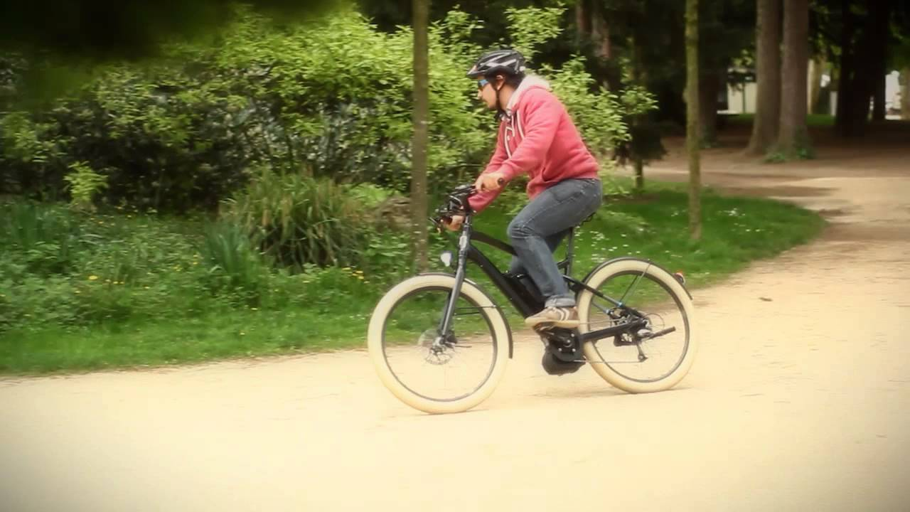 Assez one guy, one bike, one moustache - YouTube TW09