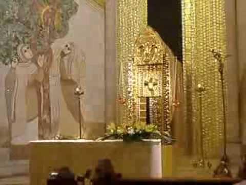 Catedral de La Almudena de Madrid, España Capilla del Santísimo