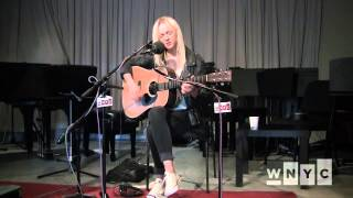 "Laura Marling ""Suite: Take the Night Off, I Was an Eagle, You Know, Breath"" on Spinning On Air"
