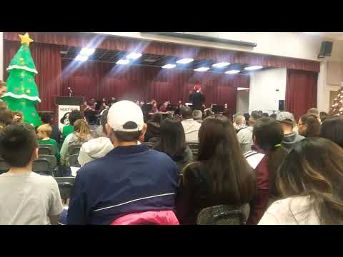 Concert Band Mathis Middle School Santa clause is coming to town (go to 1:57)