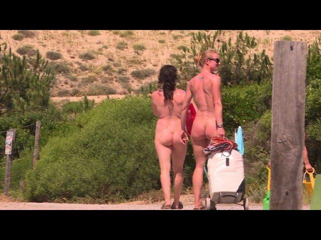 Nackt im Urlaub: FKK - neuer Trend bei jungen Leuten