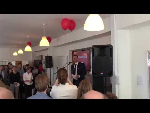 Tommy Ahlers holder fødselsdagstale for Videnskab.dk