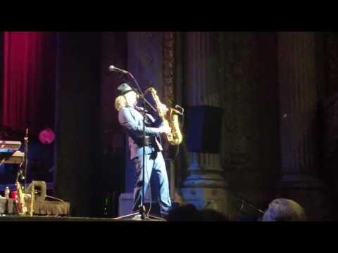Grazing In The Grass - Boney James (Concert Performance)