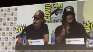 Repeat youtube video Andrew Lincoln and Norman Reedus talking pranks at SDCC 2016