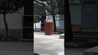 Xuân Giao đại diện khối lớp 5 phát biểu chia tay trường tiểu học Trần Phú