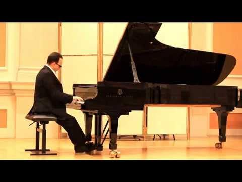 Ukrajinský klavírní virtuóz Kostiantyn Tyshko
