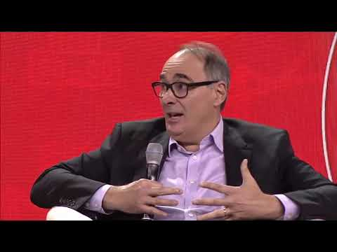 Obama advisor David Axelrod in conversation with Trudeau advisor Gerry Butts