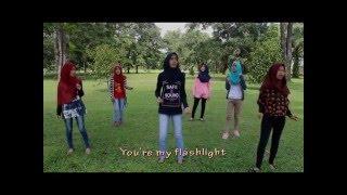 Video lagu Flashlight by Kelompok 1 Sastra Inggris