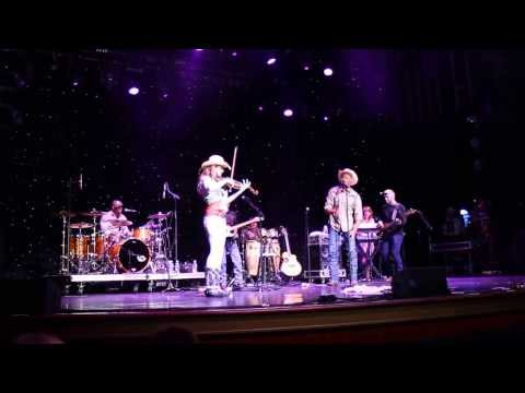 Neal Mccoy on the Trace Adkins country cruising with Maggie Baugh
