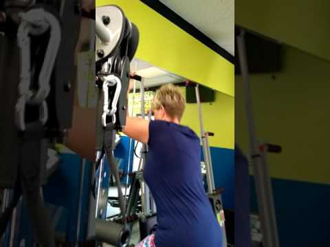 Tina Russell demonstrate the maxi climber for over all body training and calorie burn ing