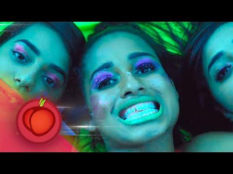 MC Loma e as Gêmeas Lacração - Treme Treme (Clipe Oficial)