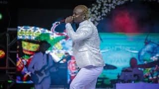 """HARMONIZE Alivyompandisha LADY JAY DEE Jukwaani Kuimba """"WIFE"""" Kwenye Uzinduzi wa Album ya Afro East"""