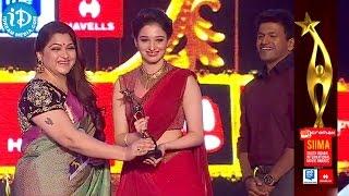 Tamannaah Honors as Best Actress Critics in Telugu | Tadakha @ SIIMA 2014