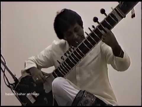Ustad Shahid Pervez Pt. Vijay Ghate Raag Puria kalyan part 1 of 2 Mp3