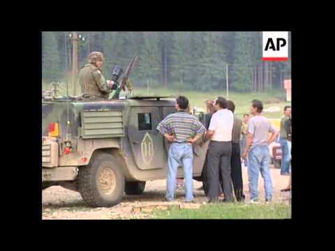 BOSNIA: US IFOR SOLDIERS MOBBED BY BOSNIAN SERB CIVILIANS