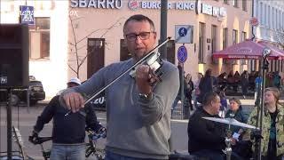 Скрипач играет песню Лары Фабиан! КЛАСС! Street! Music! Busker!
