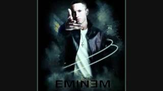 Video Eminem shows Lil Wayne who's The Best Rapper Alive download MP3, 3GP, MP4, WEBM, AVI, FLV Juni 2018