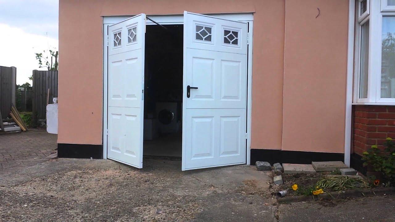 Garador Beaumont With Windows Automated Garage Door Opener Youtube