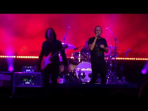 Tears For Fears - Mad World (live) - Staples Center LA - September 15, 2017 HD