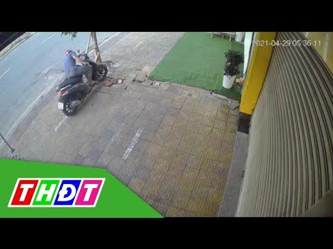 Bạc Liêu: Nam thanh niên đi xe tay ga trộm sọt rác   THDT