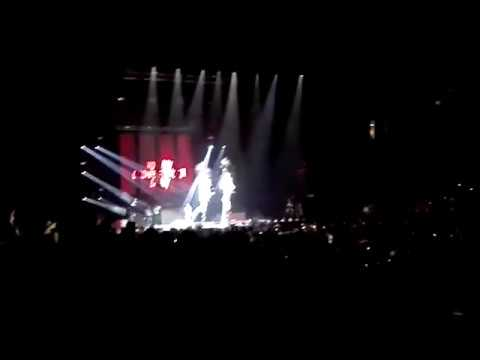 Me Hace Falta - Kevin Roldan (Arena Monterrey)