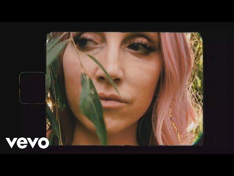 Смотреть клип Ashley Monroe - Gold