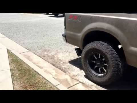 Ford powerstroke 6.0 straight pipe Rollin coal!!!
