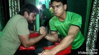 Akash kumar (aka wrist hunter) vs ravi narayan hulk) practicing arm wrestling 2017