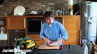 Gambar cover Jamie Oliver on knife skills - 30-Minute Meals
